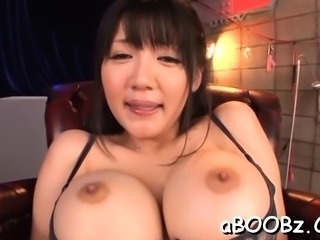 Japanese cutie gets weenie in her pussy during home xxx