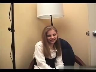 European blonde teen siren Marry Queen gives blowjob