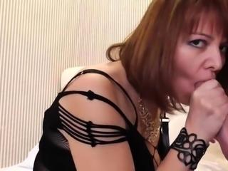 Fuck my hot friend mom