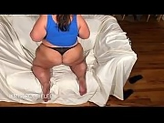 Miss Robbie Lee shows her Ass And Jiggles her White Booty And Seduces her...