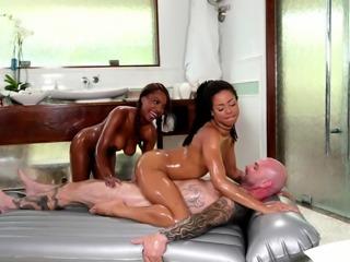 Super slippery FFM with Kira Noir and Daya Knight