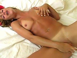 Mandy Moore super orgasm
